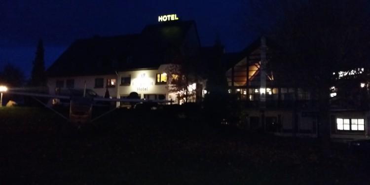 Hotel Burgstadt im Dunkeln